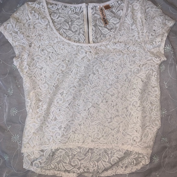 Eyeshadow Tops - Floral lace tee